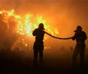 Cum a fost MUȘAMALIZAT un incendiu DEVASTATOR în mijlocul Bucureștiului? Pagubele au fost URIAȘE! Dacă autoritățile vorbeau, poate drama din Colectiv nu mai exista