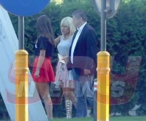 """Ce departe este perioada închisorii pentru Elena Udrea! """"Blonda lui Băsescu"""" a ieșit în oraș cu o rochie transparentă"""