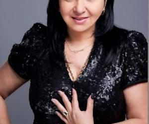 Carmen Şerban a slăbit spectaculos! Cântăreaţa a trasă prin inel