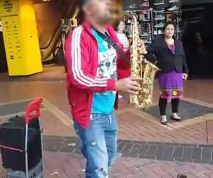 Fratele unui manelist celebru, cerșetor în Anglia! Video EXCLUSIV!