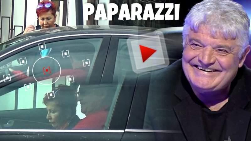 Ioan Andone ar face orice pentru soția lui, chiar să o aștepte minute în șir în mașină! Cum arată femeia lângă care e de 35 de ani! / VIDEO PAPARAZZI