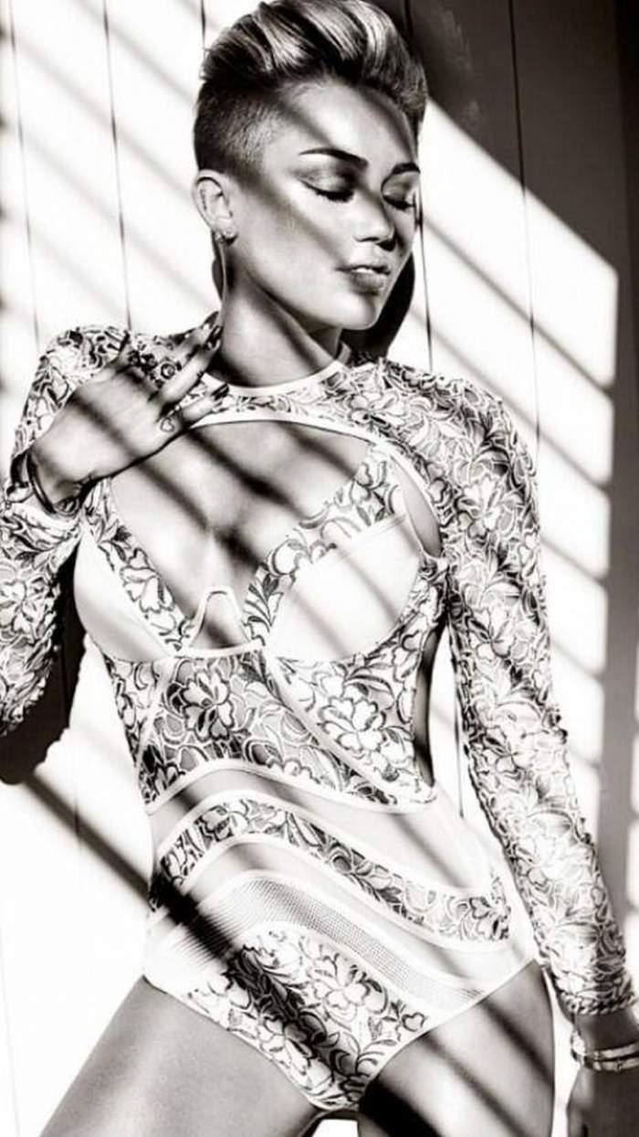 Miley Cyrus renunţă la părul scurt şi ras pe o parte! Uite cum arată cu noul său look