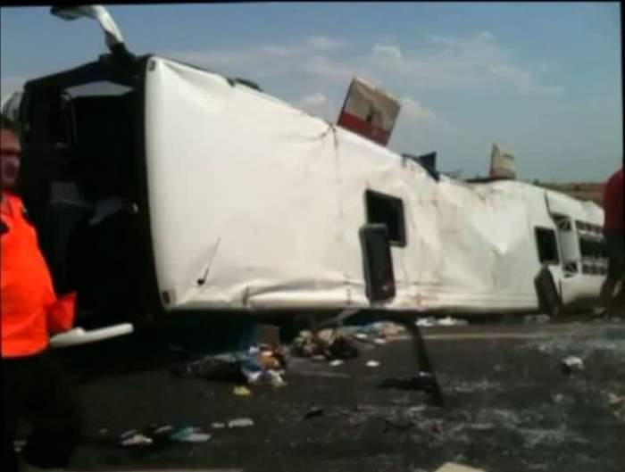 Accident grav în Timiş! Un autocar s-a răsturnat, 12 persoane au fost rănite!