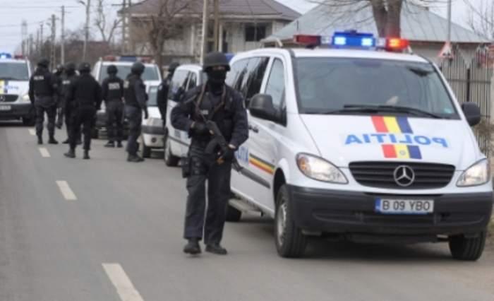 Poliţişti ridicaţi de mascaţii de la DGA! 10 oameni ai legii cereau şpagă în trafic