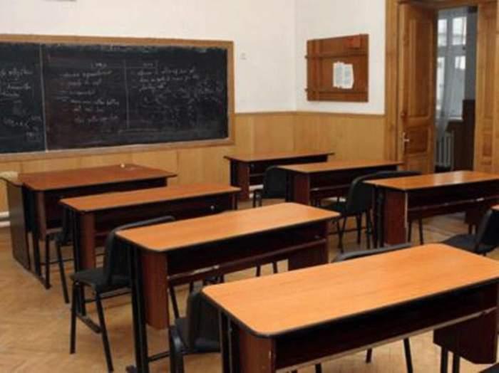 Doi băieţi au fost prinşi întreţinând raporturi sexuale în apropierea şcolii
