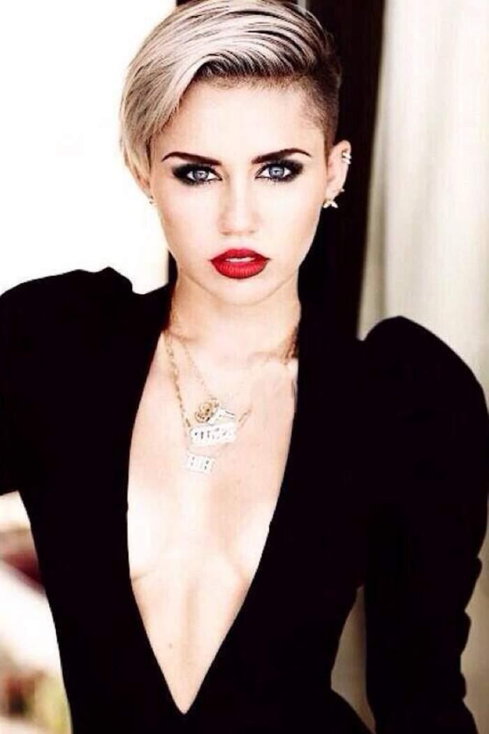 Miley Cyrus, goală puşcă într-un pictorial incendiar / Galerie Foto