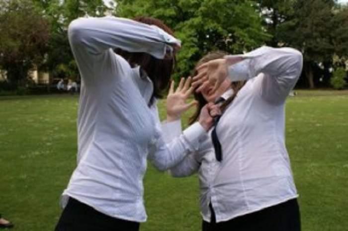 O elevă din Capitală a fost bătută grav de către una dintre colegele sale!