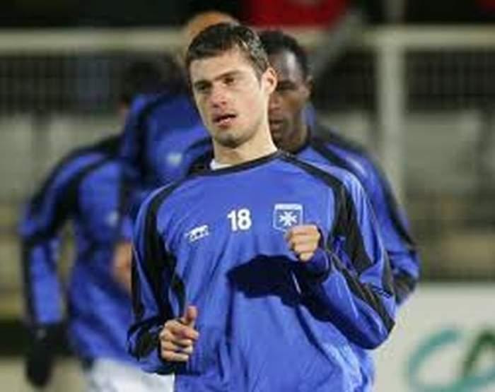 E oficial! Gabi Tamaş a semnat cu CFR Cluj!