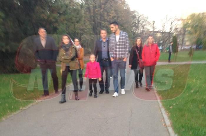 """Dan Petrescu, de la Moscova în Herăstrău. """"Bursucul"""" a ieşit la plimbare cu familia"""