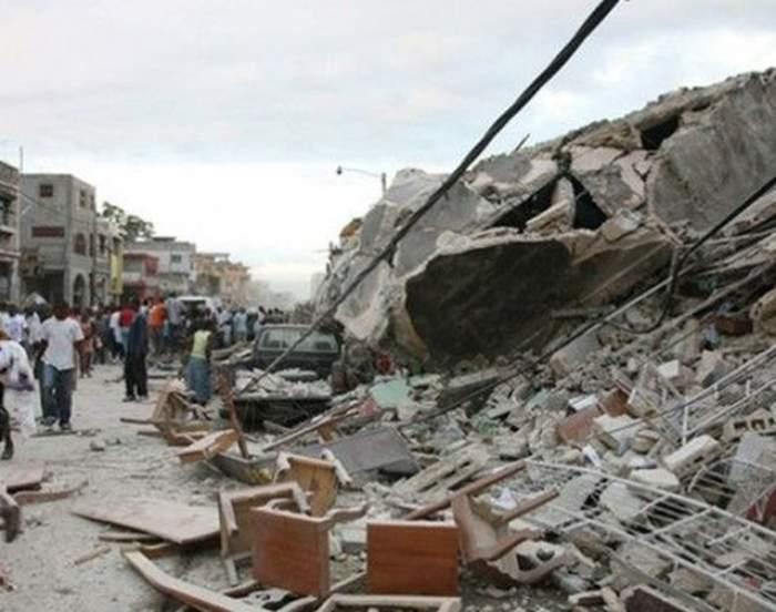 Dezastru inimaginabil! Opt persoane au fost zdrobite de zidul unui depozit