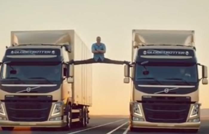 Mircea Badea îl imită pe Jean Claude Van Damme! Vezi unde a făcut şpagatul