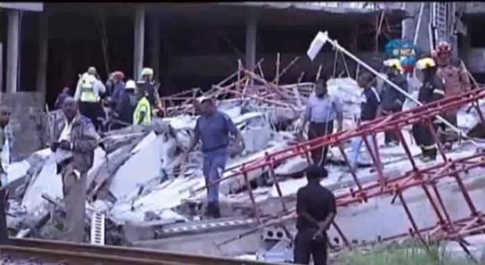 VIDEO Acoperişul unui mall s-a prăbuşit peste oameni! Până acum au fost găsiţi doi morţi şi peste 30 de răniţi