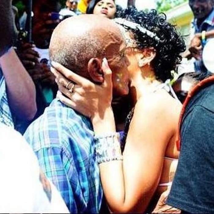 Milioane de bărbaţi s-au panicat imediat! Rihanna a fost surprinsă în timp ce săruta cu foc un bărbat mult mai în vârstă decât ea