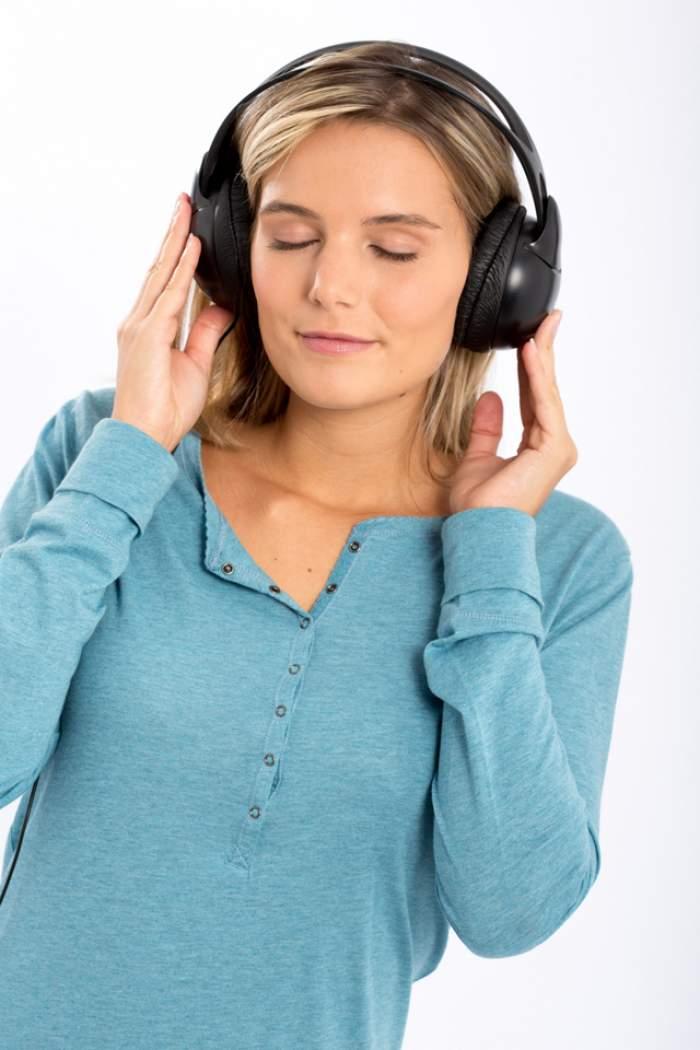 Muzica poate combate durerea de cap! Vezi ce melodii sunt recomandate