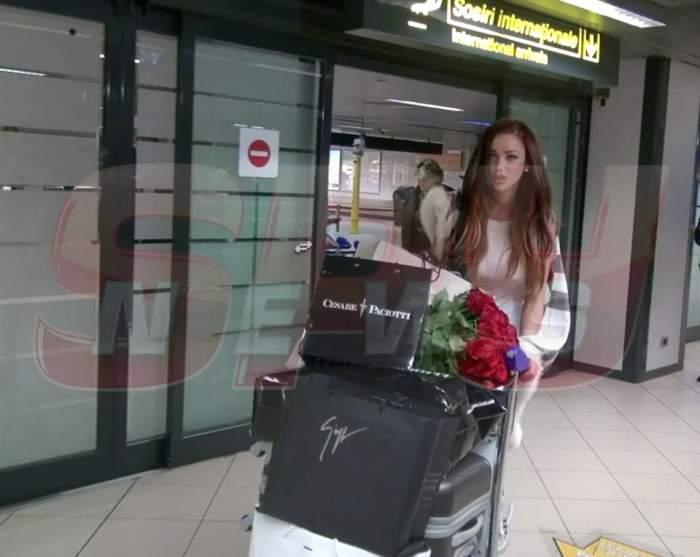 Primele fotografii cu Bianca de la aeroport! Victor a venit s-o ia, dar abia dacă a bagat-o in seamă!