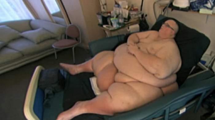 A slăbit 300 de kilograme, iar acum şi-a găsit marea dragoste. Uite cum arată iubita celui mai gras om din lume