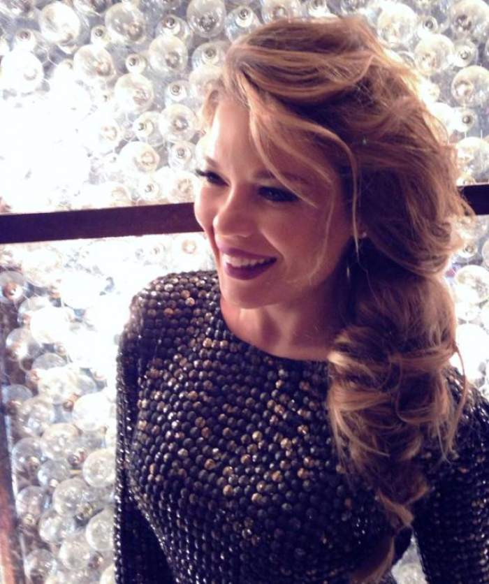 Gina Pistol, cu ochii în soare! Cu toate astea are puterea să zâmbească!