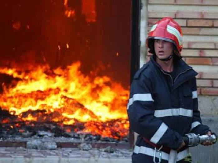 Mai multe locuinţe din Ghimbav au ars din cauza culturilor de canabis! Procurorii DIICOT au rămas şocaţi când au ajuns la locul incendiului