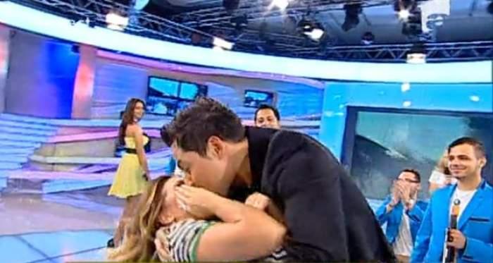 Jean de la Craiova a sărutat-o pe Gina Pistol în direct. Oare ce zice soția lui? / VIDEO
