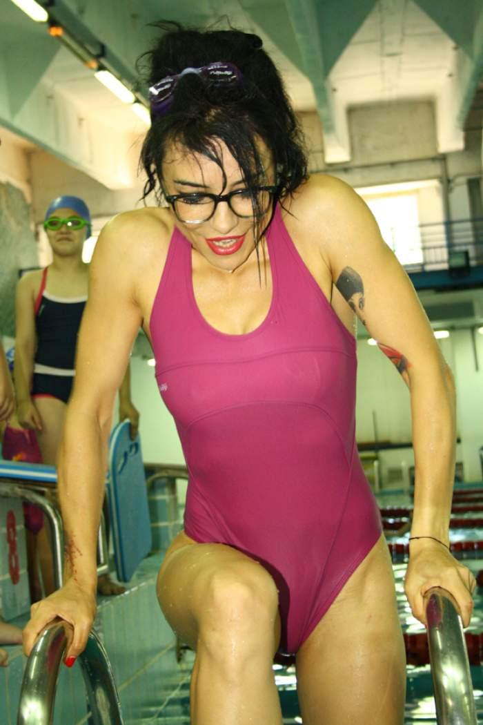 Ruşinea pe care a păţit-o DJ Wanda! S-a vrut o divă la piscină, dar a scăpat din vedere un detaliu esențial