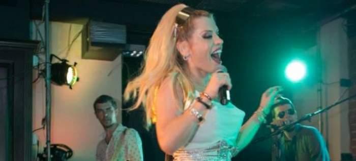 Loredana, apariţie scandaloasă în club! A băgat în boală toţi masculii cu sfârcurile ei / FOTO