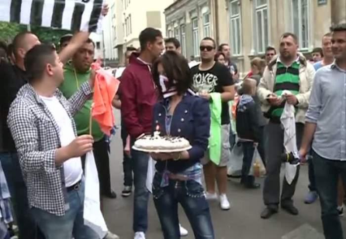 George Copos invitat de fani  la puşcărie