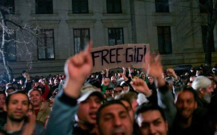 """""""Free Gigi!"""" - sau cum încearcă fanii să-l scape pe Becali"""