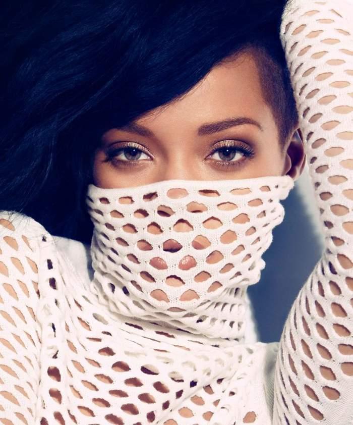 Uite fotografia cu care Rihanna şi-a înnebunit fanii! Cântăreaţa e mai senzuală ca niciodată!