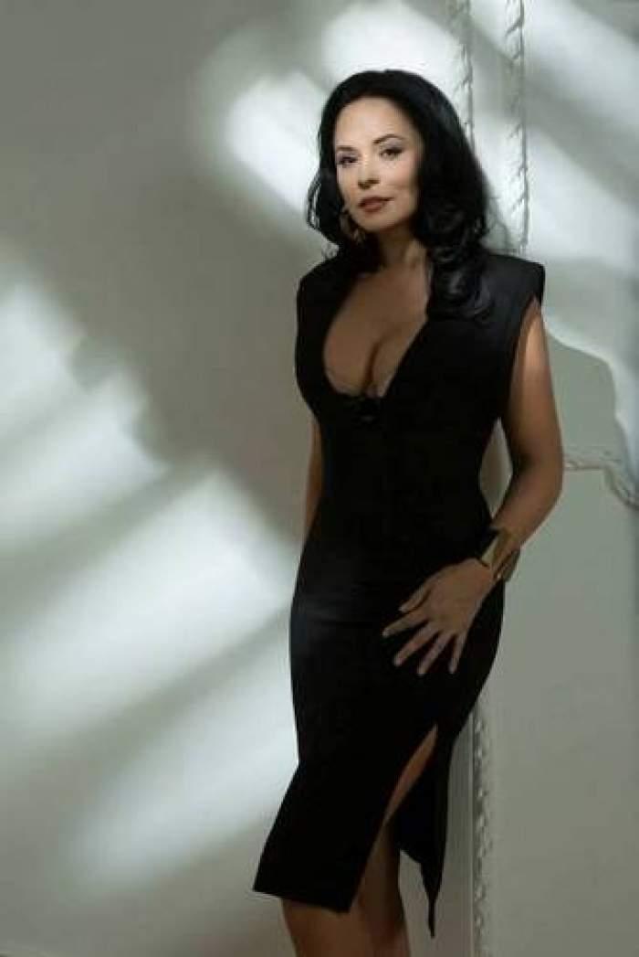 Andreea Marin, pictorial într-o revistă pentru bărbaţi! Zâna e tot mai sexy!