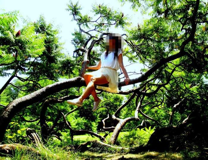 """""""Me Tarzan, you Jane""""! La cine credeţi că se referă? Indiciu: e una dintre cele mai sexy femei din România"""