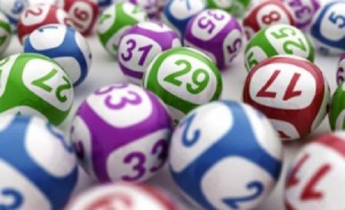 Numerele la 6 din 49 au fost extrase. Intră aici să vezi dacă ţi-a ieşit combinaţia!