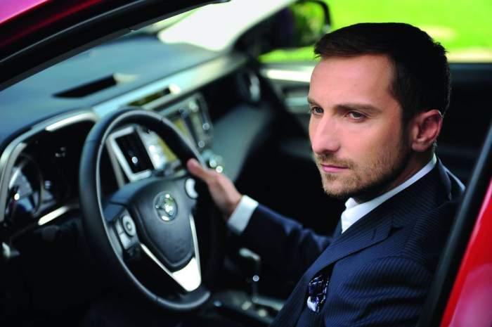 """Dani Oţil, un gentleman desăvârşit: """"Sunt şoferul unei femei celebre"""""""