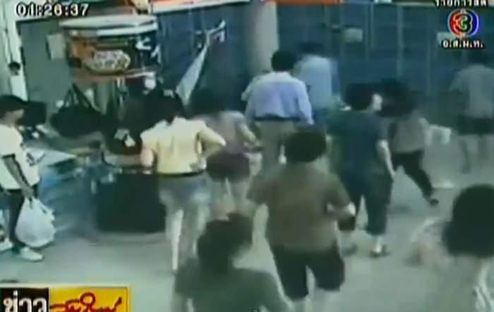 Febra cumpărăturilor ucide! Accidentul stupid în care a murit această femeie / Video
