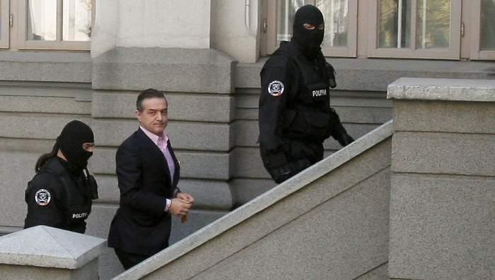 """Gigi Becali, îngenuncheat! Judecătorii i-au mărit pedeapsa şi l-au trimis """"în prelungiri"""""""