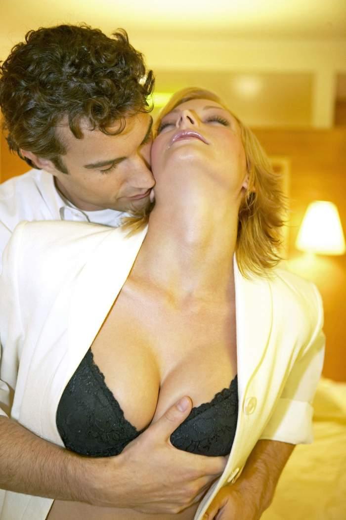 Ştii care sunt cele mai fierbinţi fantezii sexuale ale femeilor? Intră aici să vezi