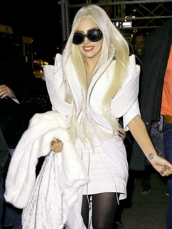 Asa arata rochia creata de un roman pentru Lady Gaga!