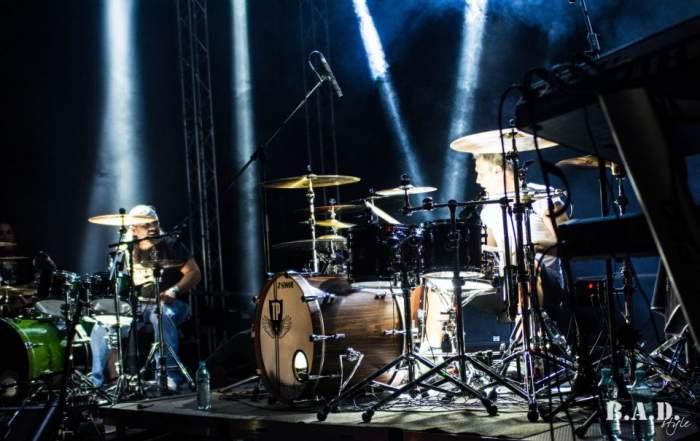 Cargo, concert cu 40.000 de spectatori. Rockerii i-au înnebunit pe timişoreni şi au urcat cu motoarele pe scenă