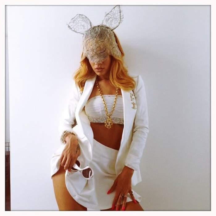 Rihanna, mai sexy ca niciodată! Aşa se promovează Insulele Barbados! Fotografii INCENDIARE!