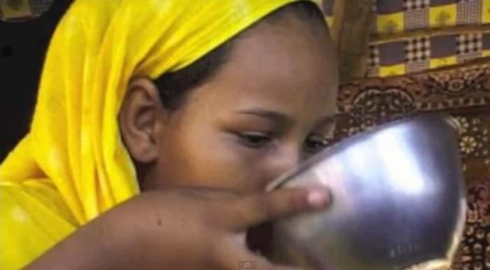 Incredibil! Vezi cum arată femeia ideală în Mauritania! / Video