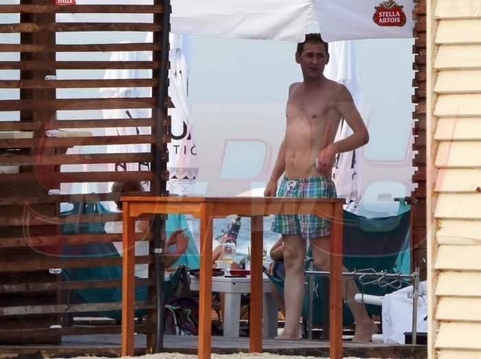 La naiba, te-am prins! Mircea Solcanu își expune trupul dizgrațios la soare!