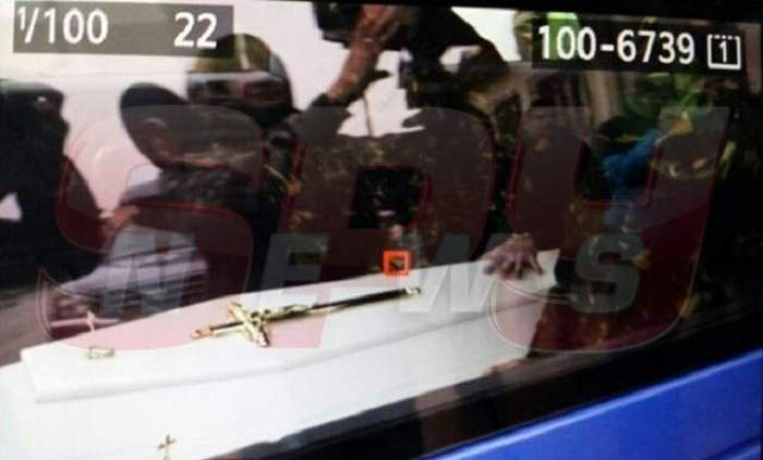 VIDEO Trupul Aureliei Ion a fost depus la Capelă! Uite primele imagini cu sicriul şi familia îndurerată!