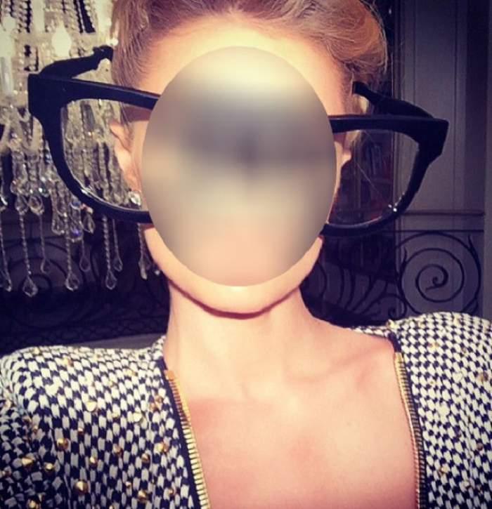 Ce ochelari imenşi! Punem pariu că nu ghiceşti cine se ascunde în spatele lentilelor!