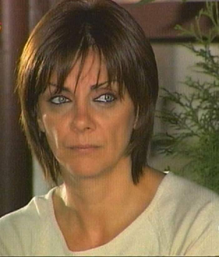 """Carmen Tănase despre responsabilii pentru catastrofa aviatică: """"Oamenii pe care-i plătim ne râd în faţă!"""""""