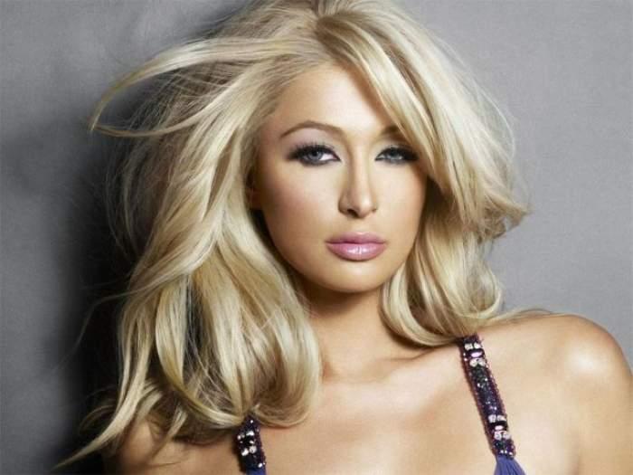 Paris Hilton, fără chiloţi la petrecerea de promovare a premiilor Grammy! Uite ce ţinută îndrăzneaţă a ales blondina