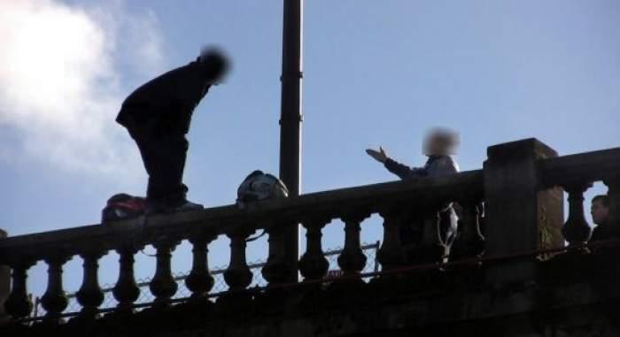 Scene şocante în Capitală! S-a aruncat de pe podul Colentina în apa îngheţată