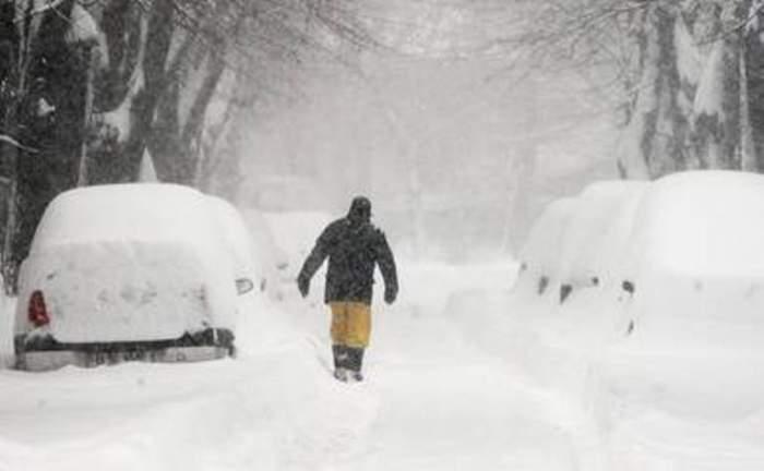VIDEO Iadul alb atacă din nou! Un bărbat a fost găsit mort în zăpadă din cauza frigului