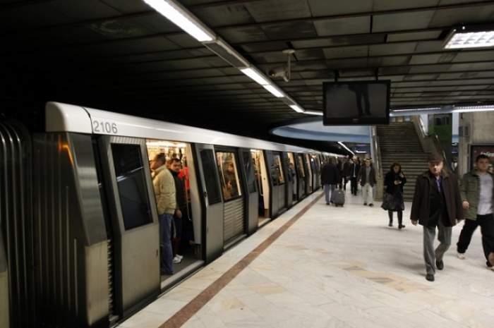 """""""Traficul de pe străzi era infernal""""! Vezi ce vedetă a renunţat la maşină în favoarea metroului"""