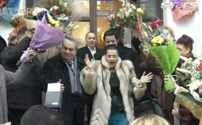 VIDEO Cornelia Catanga s-a măritat după 23 de ani cu Aurel Pădureanu! Cei doi soţi s-au pupat cu foc în văzul tuturor