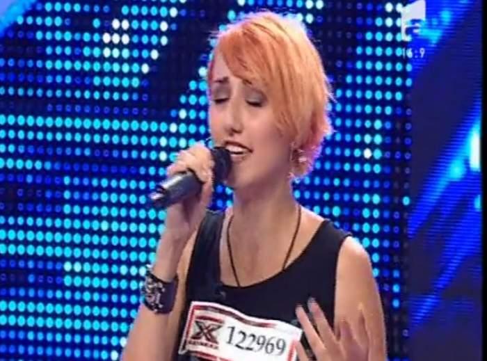 VIDEO/ Moment unic la X Factor! O concurentă este trecută mai departe doar dacă se lasă de fumat!