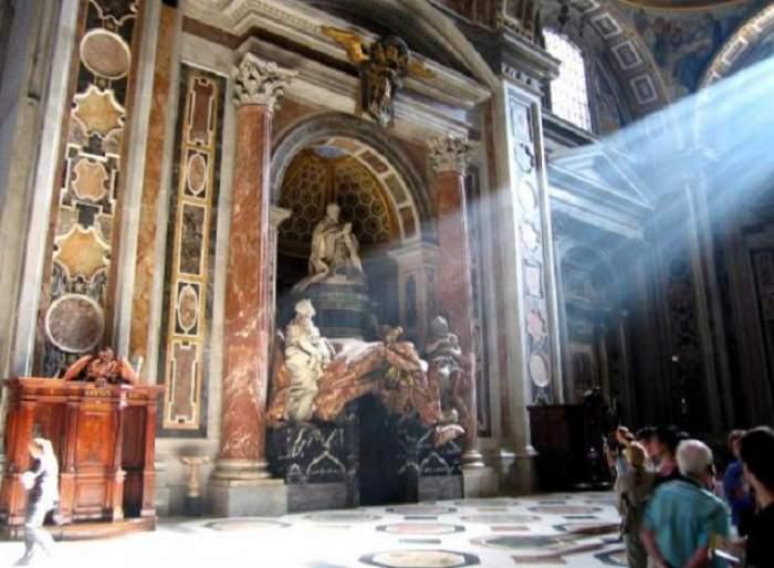 Vaticanul, zdruncinat din temelii! Se împlineşte profeţia lui Arsenie Boca? Biserica Catolică va accepta homosexualii?